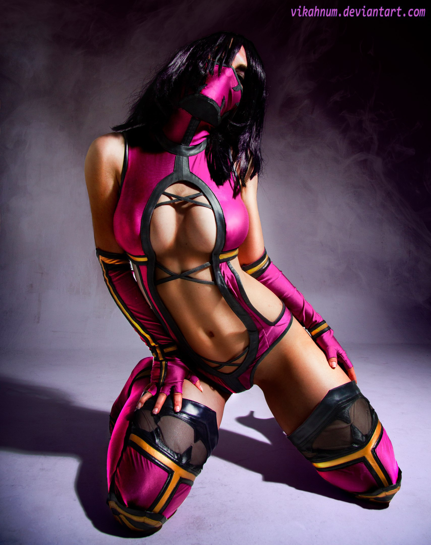 Mileena cosplay by Vikhanum