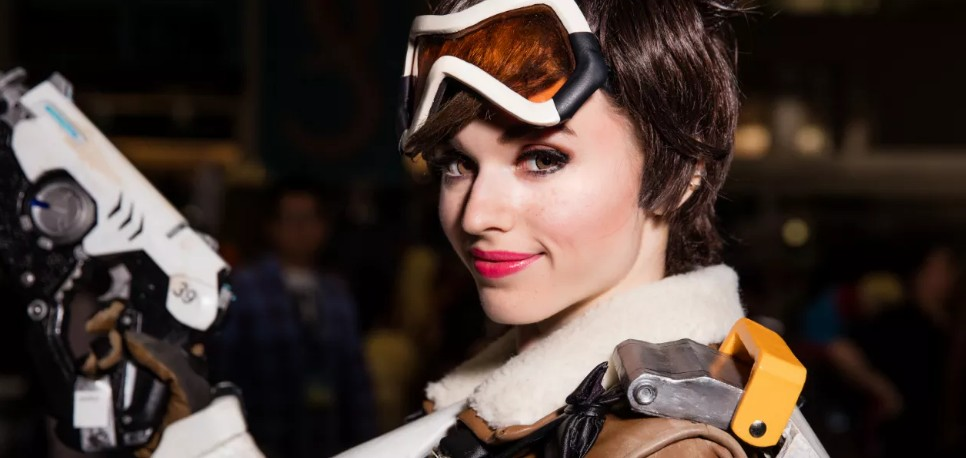 11 Sexiest Tracer Cosplays, Number 9 Is Hottest IMO