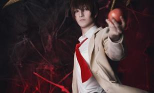 30 Light Yagami Cosplays That Are Out Of This World