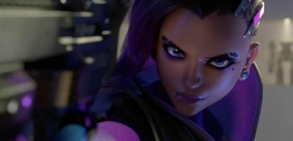 Sombra pointing her gun at the screen