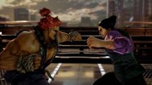 Combatting Akuma and Kazuya ready to clash with simultaneous strikes.