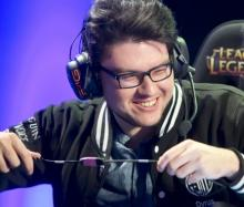 Dyrus is always smiling and has a fun goofy laugh