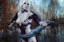 Embracing the darkness. (photo by Just Moolti, from http://asherwarr.deviantart.com/art/Cosplay-Lineage-2-Dark-Elf-429675566)