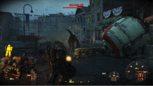 Deathclaws will still roam around in Fallout 4, eager to claw you to death.
