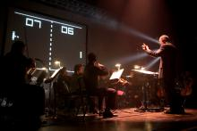 The most exciting version of the game, ever! (Photo by Michele Lee Willson, taken from http://videogameslive.com/gallery/v/flyers/)