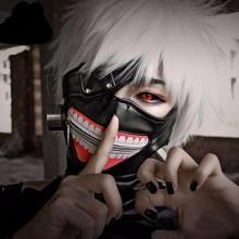 This outstanding cosplay is of Ken Kaneki from Tokyo Ghoul.
