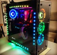 Clean RGB build! The case and fan lights bring this build to life.