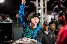 Huni is known for his expressive movements during games.