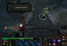 Low-mana Windranger still has the ability to fight & kite, thanks to her Phase Boots.
