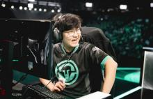 Huni is known for his friendly personality.