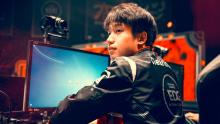 Clearlove takes his time in the jungle, and he is known for his farm-heavy style of play.