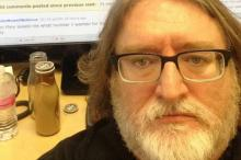 Gabe Newell has become an increasingly easy person to make memes of.