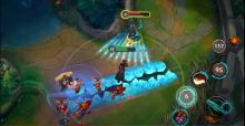 A look at Ashe taking on Twisted Fate in Wild Rift!