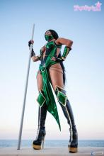 Giorgia Cosplay protects all of Outworld