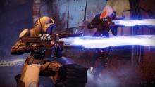 Hunter buddies using fusion rifles.