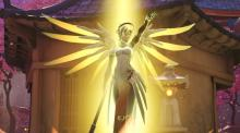 A screenshot of Mercy using her Resurrect ability.