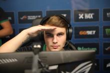 MERTZ saluting to the camera