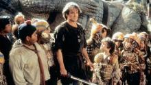 Robin Williams leads a team of merry boys against the evil Captain Hook.