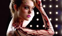 'The Neon Demon' is a visually stunning fashion show gone wrong in all the right ways.