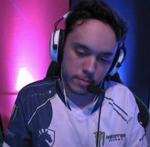 Nesk contemplating whether he should teach the opponents a lesson.