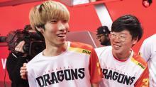 Players Carpe and Diem smiling.