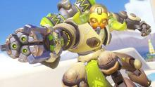Orisa aiming her Fusion Driver and preparing to fire.
