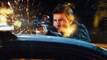 Tom Cruise means business in Jack Reacher