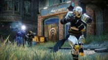 A Titan with his SMG leading the fireteam.