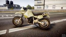 A very ugly yellowish-brown color dirtbike in Grand Theft Auto.