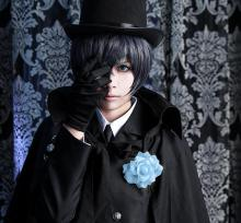 Ciel poses in his tophat
