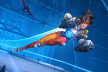 Tracer dashes into battle, ready to fight.