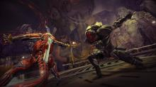 Chroma takes on a Grineer Manic using the Ripkas scrap blades