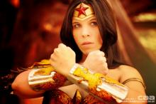 Wonder Woman ready to defend.