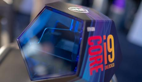The i9-9900k comes in a super clean 9-sided box.
